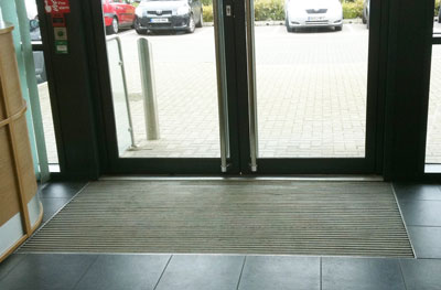 Fitted entrance mat