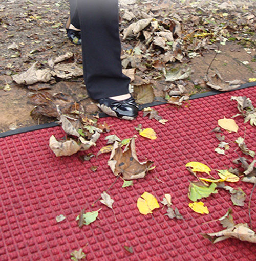 Mat with Autumn Leaves